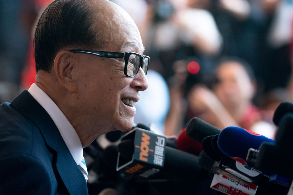 Li Ka-shing Photographer: Anthony Kwan/Bloomberg
