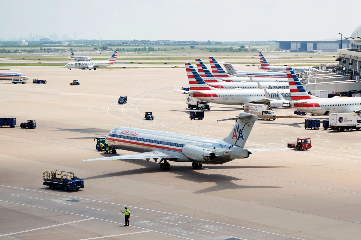 American Says Goodbye to MD-80 Jet After 36 Years of Love