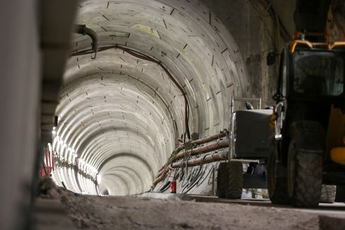 A tunnel leads away from the under-construction Canary Wharf Crossrail station.
