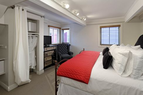 The house can be used as a private home or bed and breakfast.