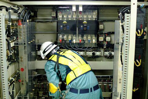 Australia's Latest Import: U.S. Electricians