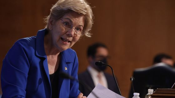 Warren Cites Fear Over Another 2008 Meltdown in Opposing Powell