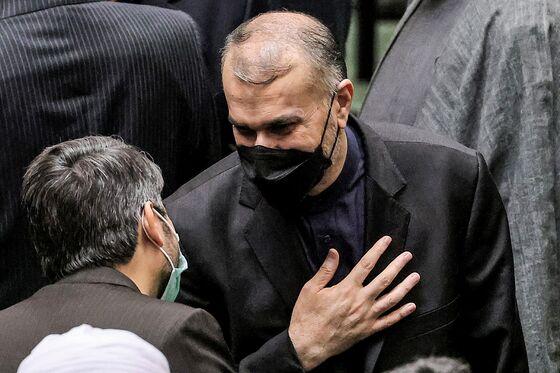 Iran Installs Government, Moving Closer to Resuming Atomic Talks