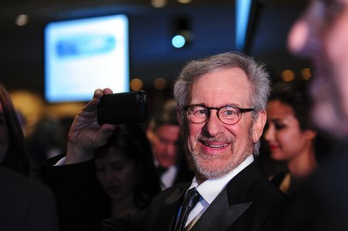 Apple Poised to Release Spielberg Series in Bigger Move Into TV