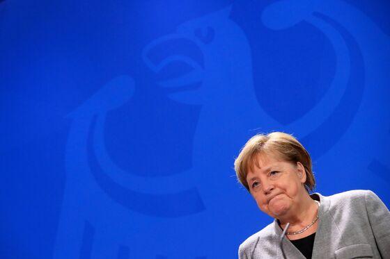 Merkel Feels Heat After Allies Urge Speedier Hunt for Successor