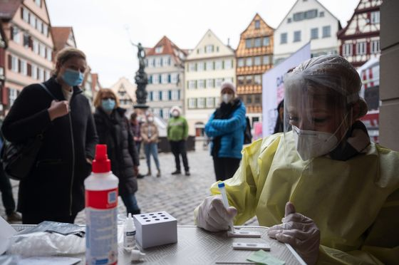 German City Sidesteps Lockdown With Day Pass to Pre-Covid Life