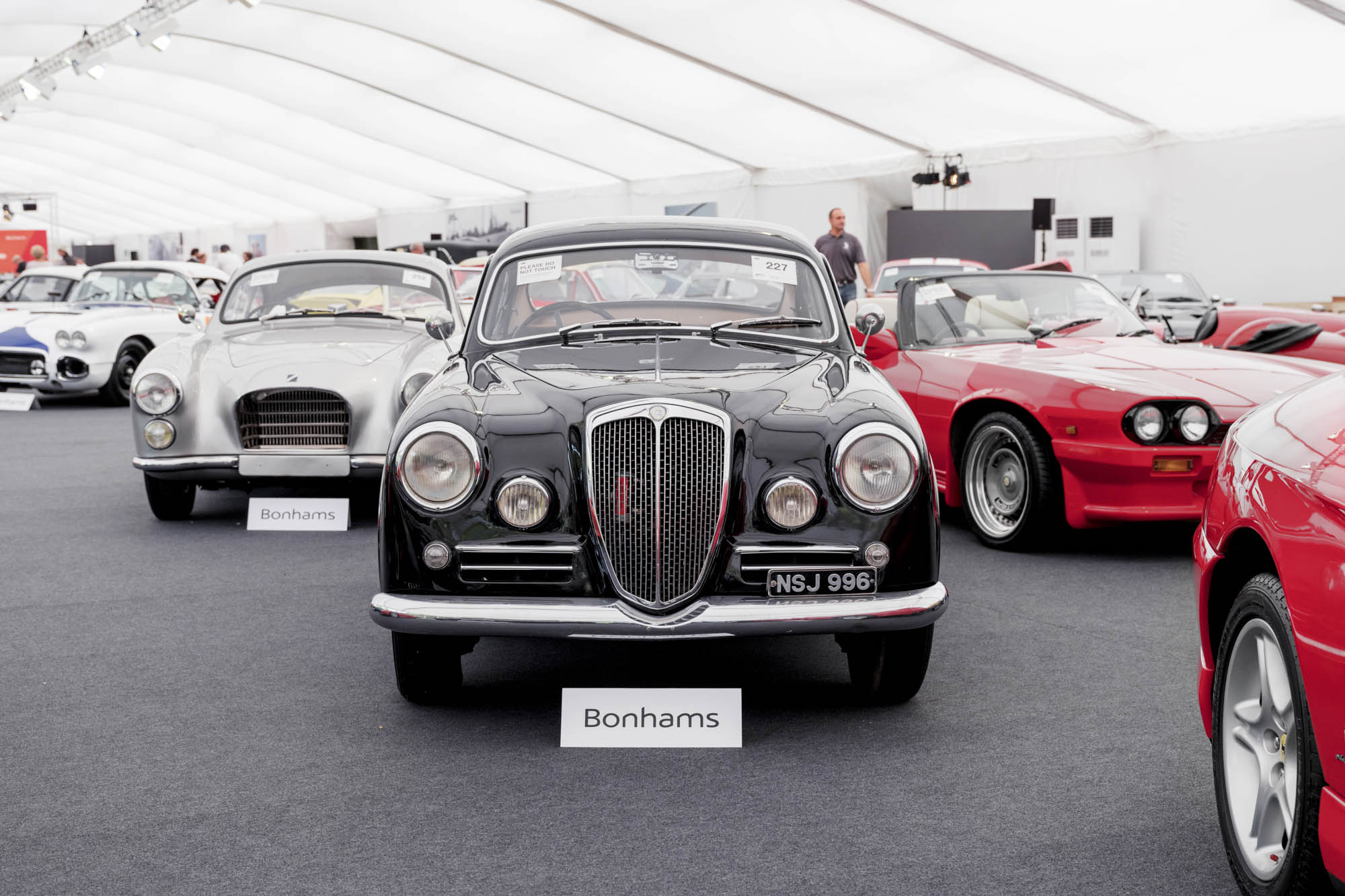 How to Outsmart the Slump in the Classic Car Market - Bloomberg