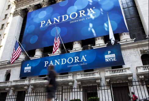 Apple Seen Putting Pandora in Play Amid Online Shift