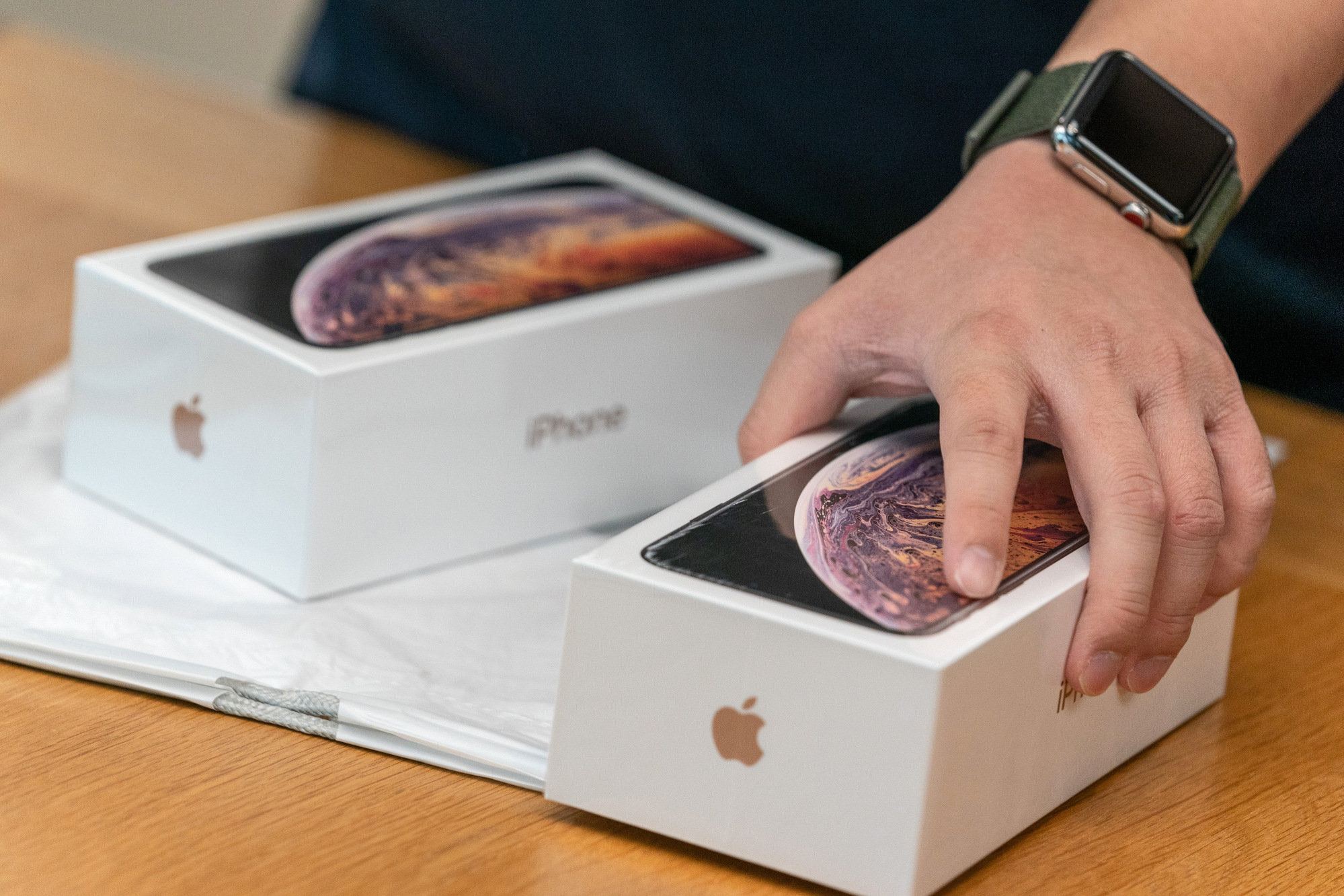 bloomberg.com - Debby Wu - Foxconn Is Poised to Begin Mass Production of iPhones in India