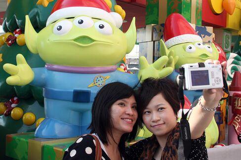 Hong Kong Disneyland Hits Its Stride, Readies for Chinese Rivals