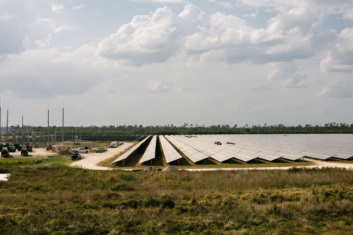 Solar City Florida >> This Florida City Is 100 Solar Powered Bloomberg
