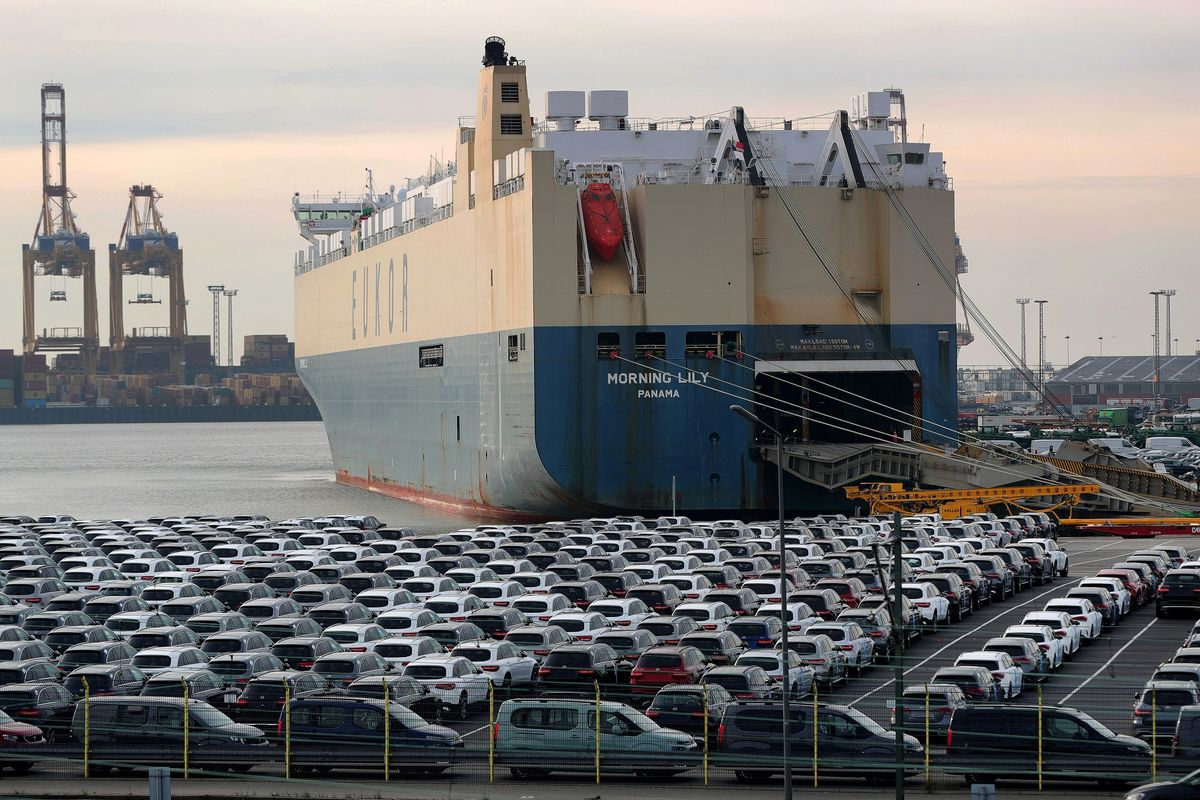 Trump Expected to Delay Car Tariffs as Europe Invests in U.S.