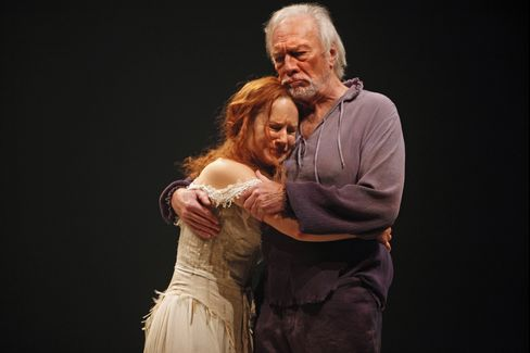 Trish Lindstrom and Christopher Plummer