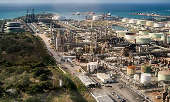Oil-Refinery Shutdown Signals Growing Challenges for Sector