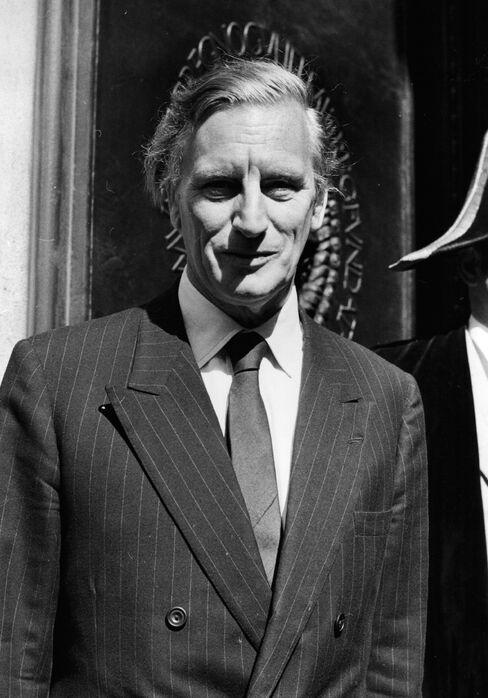 Former Bank of England Governor Gordon Richardson