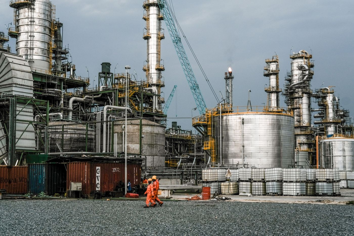 Africa's Richest Man Builds Nigeria's $15 Billion Oil Refinery