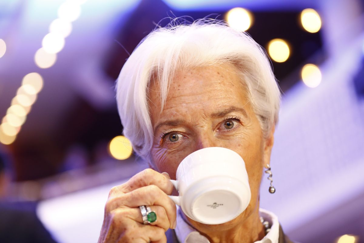 Lagarde's Green Ambition Risks Losing Out to ECB Inflation Goal