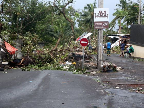 Cyclone Death Toll Climbs to 9 While Comoros Struggles to Regain Power