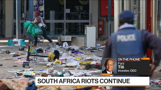 Protest Violence Eases in South Africa as Clean-Up Begins