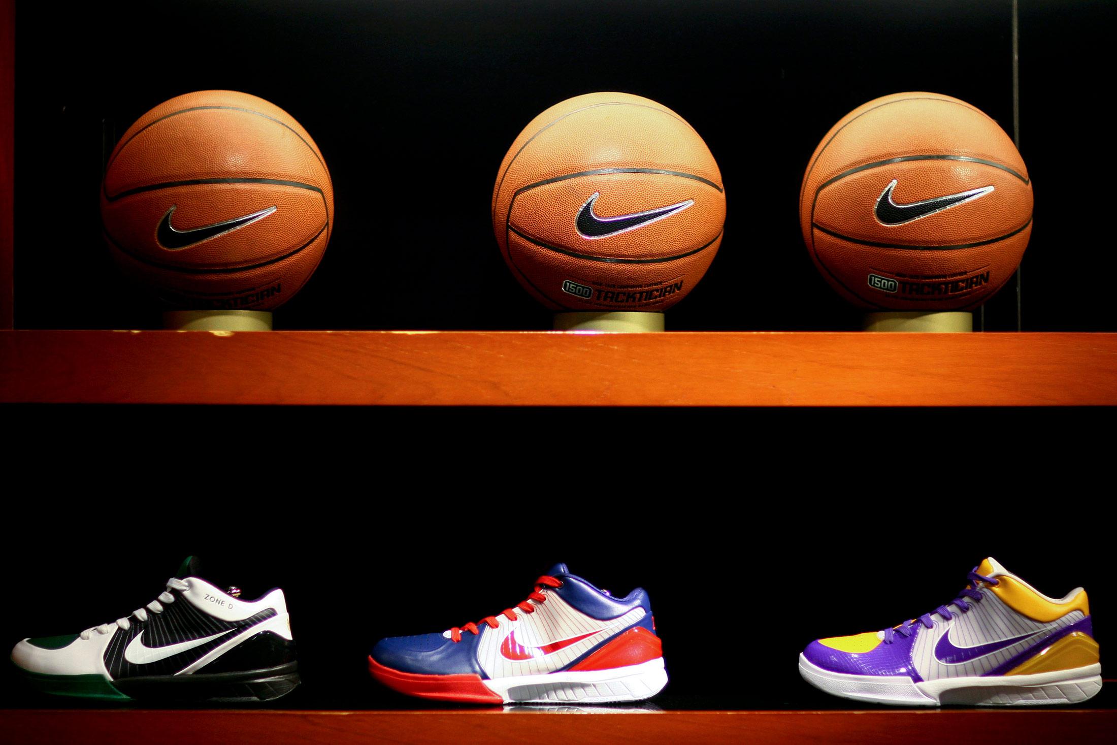 Nike gana 1 millones de contrato con NBA de Adidas se aleja Bloomberg