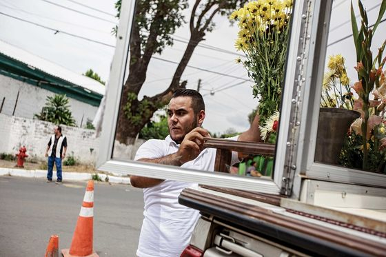 The Coffin Business Is Booming in Central America Due to Gang Violence