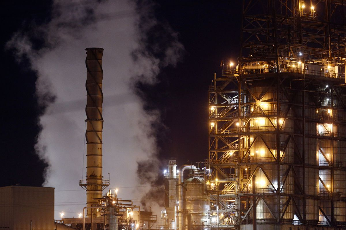 Shell Says Saving Planet Probably Means Sucking CO2 From the Air