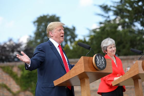 Trump's Praise Ends Tough Week for Theresa May