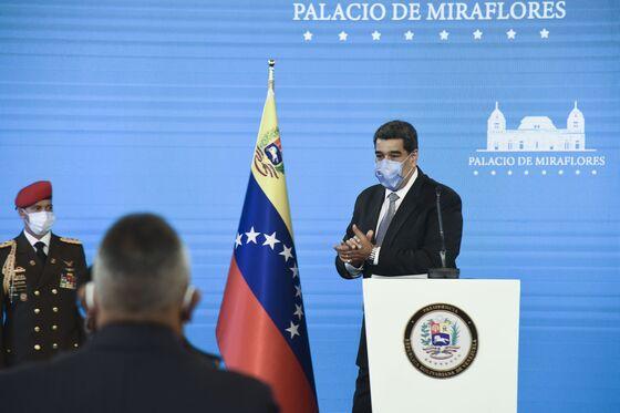 Maduro Open to Private Covid Vaccine to Dodge U.S. Sanctions