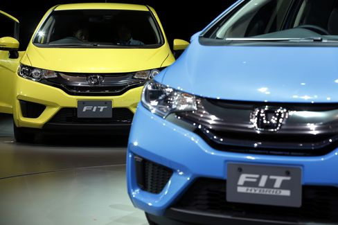 Honda Takes on Toyota's Aqua With Remodeled Fit in Japan