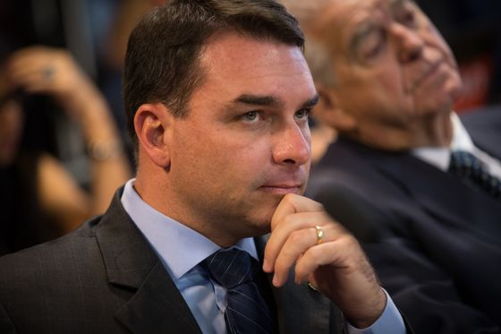 Rio Court Allows Review of Bolsonaro Son's Finances: O Globo