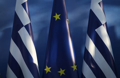 Euro Finance Chiefs Said to Back 3 Billion-Euro Greek Payment