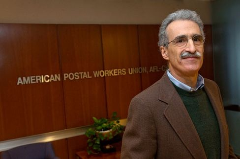 A New Postal Union Leader Really Doesn't Want Mail Sent From Staples