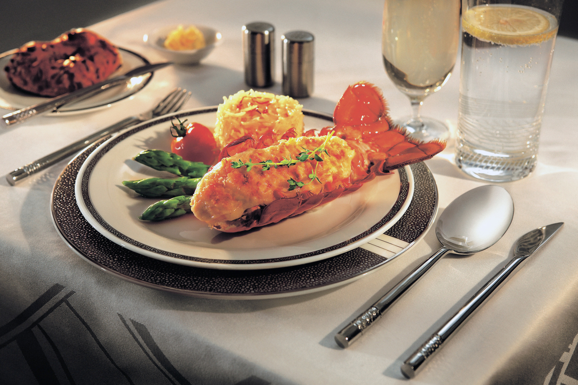 Lobster Thermidor can be ordered at world's longest flight. Image: Singapore Airlines