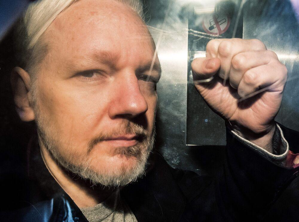 U.S. Says Assange Violated Espionage Act in Leaking Secrets