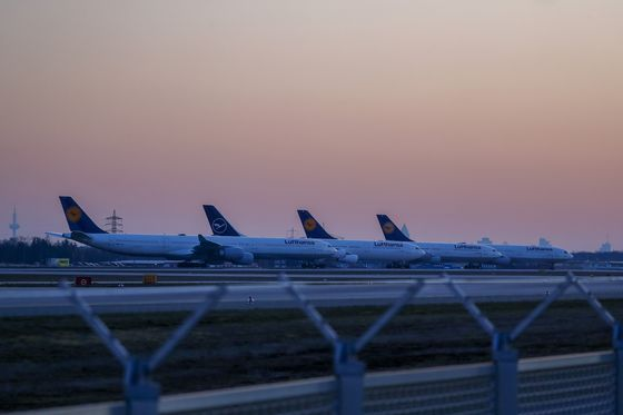 Lufthansa Running Out of Bailout Road as Germany Sets Terms
