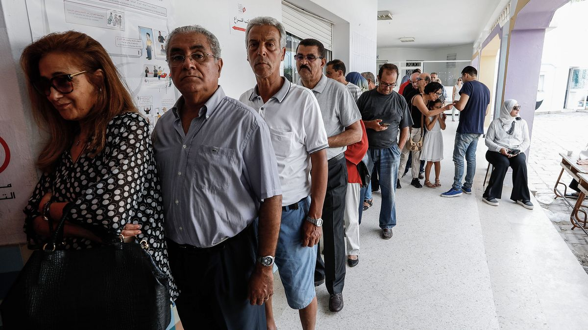 Tepid Turnout Clouds Landmark Tunisia Presidential Vote