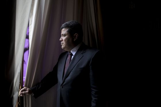 Maduro's Chosen Opponent Makes Himself at Home in Guaido's Lair