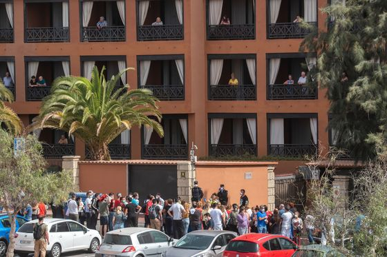 Virus Seals Canary Islands Hotel as Holidaymakers Are Hit: Photo