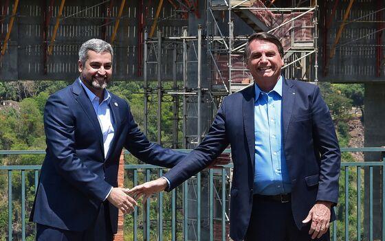 Bolsonaro Says He Can't Extend Covid Cash Handouts in Brazil
