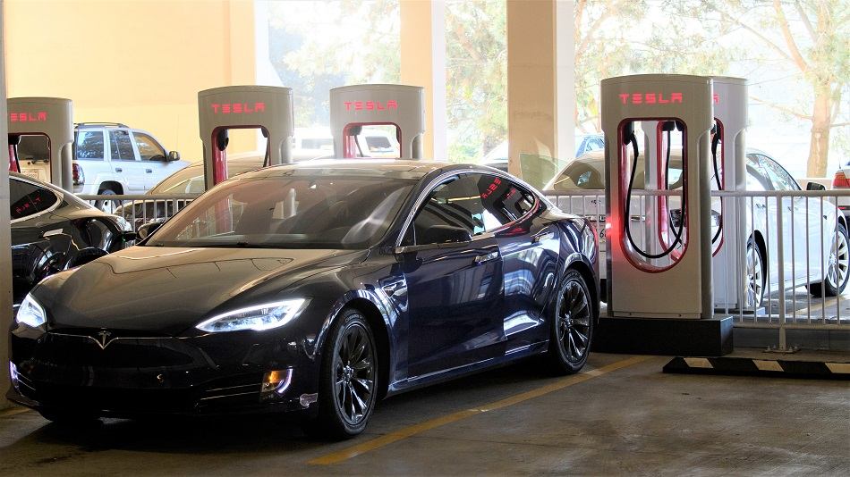 Tesla Faces Bumpier Ride Breaking Into India After China Success - Bloomberg