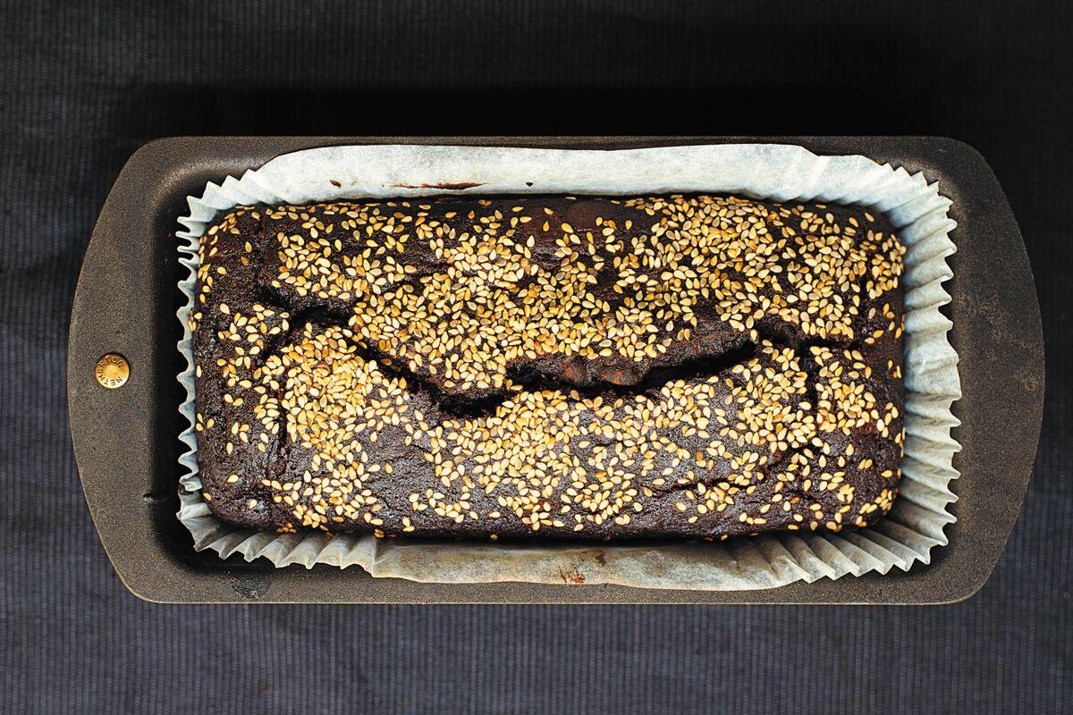 Nigella Lawson's Trick to Making Banana Bread Feel Fresh Again thumbnail
