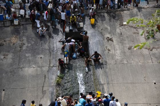 Caracas Goes Thirsty as Power Crisis Shuts Down Water Plants