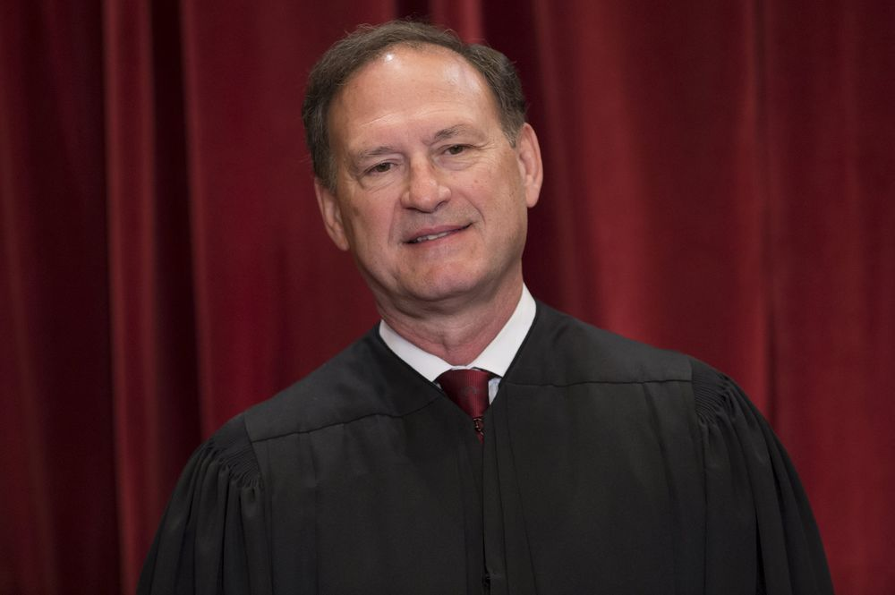 Supreme Court Justice Allows N...