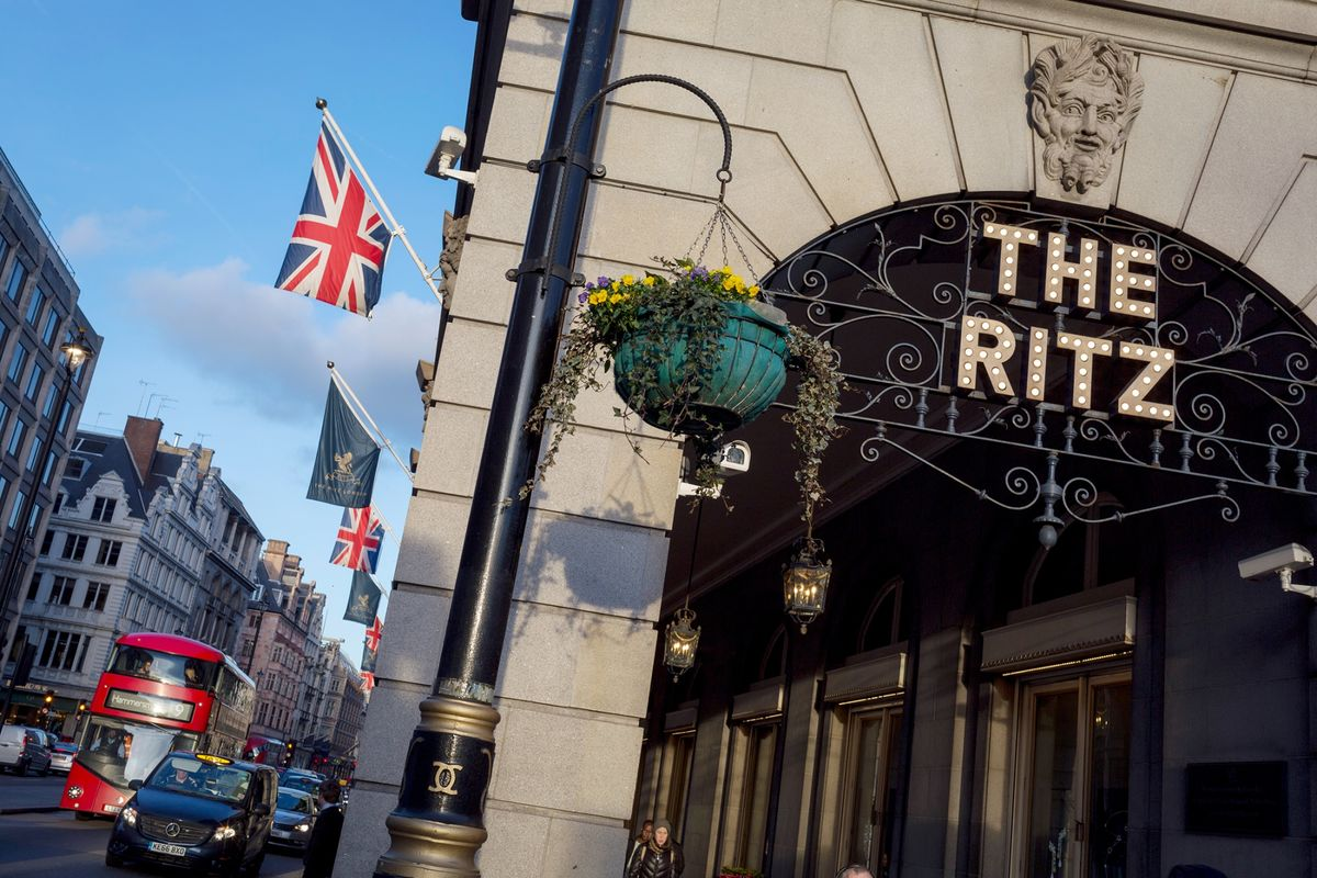 Barclay Brothers in Talks to Sell Ritz Hotel to Saudis, FT Says