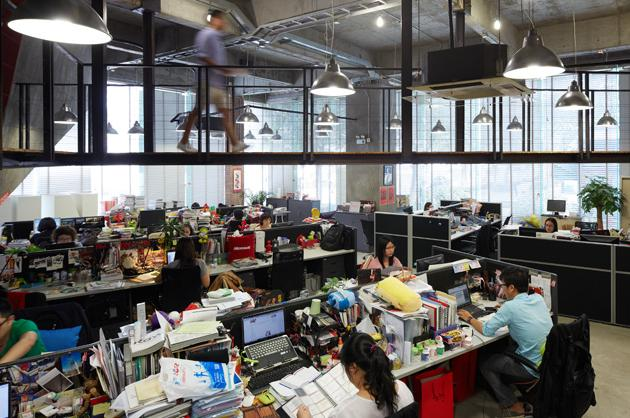 Ogilvy Mathers Surreal Guangzhou Office Bloomberg