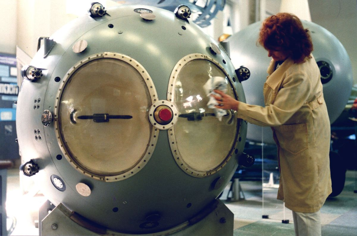 An attendant cleans a model of an atomic bomb at a museum in Sarov, Russia, in 1999. Source: SVF2/Universal Images Group Editorial/Getty Images