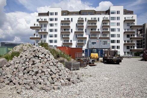 Denmark's Housing Slump Is Over, Central Bank's Callesen Says