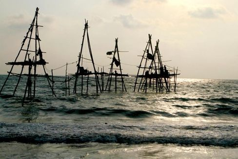 Who Will Benefit From Myanmar???s Offshore Oil Rush?