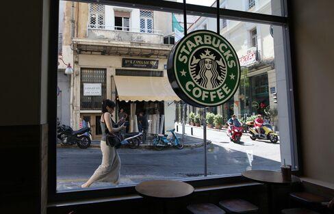 Starbucks Profit Trails Estimates Amid Unchanged Sales in Europe
