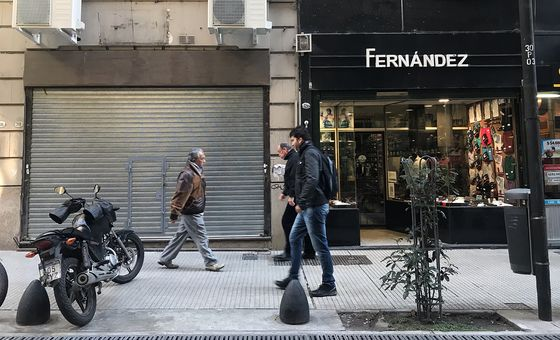 What Life at Center of Chaos Looks Like for Argentine Businesses
